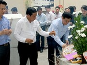 政府副总理王廷惠赴同禄三岔路口历史遗迹区敬香缅怀英雄烈士