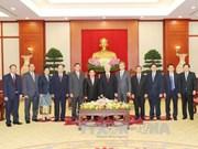 越南党和国家领导人分别会见老挝国家副主席潘坎•维帕万