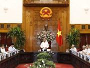 阮春福总理会见越南离退休教育工作者协会代表
