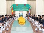 越共中央总书记阮富仲会见柬埔寨首相洪森