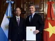 阿根廷总统高度评价越南经济成就