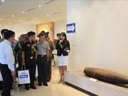 各国驻越武官参观越南国家地雷行动中心