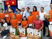 5000人参加步行活动 募款帮助橙剂受害者