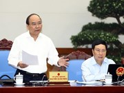 政府总理阮春福:正确评估每个行业和领域现状  力争完成2017年各目标