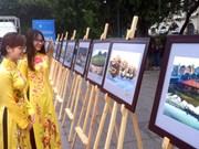 东盟成立50周年:东盟国家风土人情图片展在河内举行