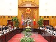 越南领导人会见柬埔寨参议院第一副主席奈北纳