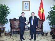 张和平副总理会见老挝建国阵线副主席禅塔翁