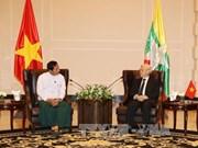 阮富仲总书记会见缅甸联邦巩固与发展党主席丹泰