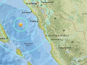 印尼发生6.2级地震引发民众慌乱