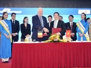 Vinalines与比利时企业签署港口与物流领域的合作备忘录
