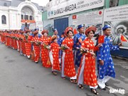 胡志明市100对青年工人集体婚礼在国庆日举行