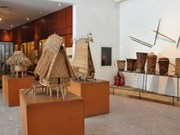 越南民族博物馆吸引游客参观