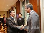 越南政府副总理王廷惠同世界贸易组织领导举行工作会谈