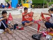 2017年手工制作灯笼节吸引众多儿童参加