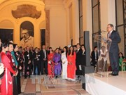 越南奥黛秀和民族音乐亮相巴黎小皇宫美术馆