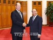越南政府总理阮春福会见美国众议院外交事务委员会亚太小组委员会主席