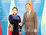 国会主席阮氏金银礼节性拜会哈萨克斯坦总理萨金塔耶夫