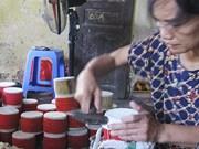 复兴越南传统民间玩具制造业