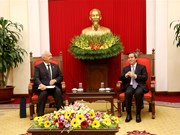 阮文平会见俄罗斯和澳大利亚驻越大使