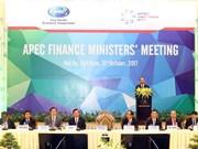越南政府总理阮春福出席第24届亚太经合组织财长会
