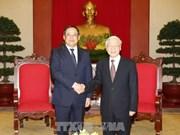 越共中央总书记阮富仲会见老挝政府副总理宋赛•西潘敦