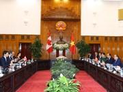 越南和加拿大发表关于确立全面伙伴关系的联合声明