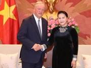 越南国会主席阮氏金银会见德勤全球主席柯睿尚