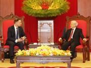 越共中央总书记阮富仲会见波兰总统杜达
