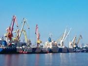 海防海港在越中五省市经济走廊合作中发挥重要枢纽作用