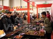 越南企业参加意大利国际手工艺品展销会