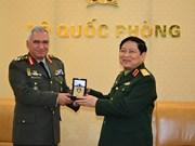 国防部部长吴春历大将会见欧盟军事委员会主席科斯卡拉克斯