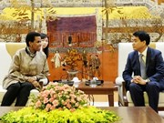 河内市人民委员会主席阮德钟会见前来辞行拜会的南非驻越大使