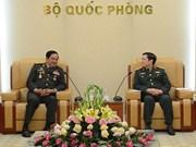 吴春历大将会见柬埔寨老战士协会代表团及老挝老战士协会代表团
