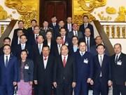 政府总理阮春福会见老挝人民革命党中央总书记本扬•沃拉吉