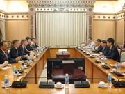 胡志明市与法国推动多领域合作发展