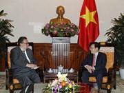 越南政府副总理兼外长范平明会见芬兰新任驻越大使卡里·卡希洛托