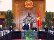 政府总理阮春福会见越南援柬专家联络委员会代表