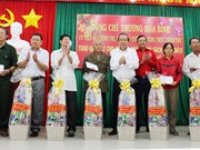 政府常务副总理张和平走访慰问宁顺省越南英雄母亲、优抚家庭和贫困户