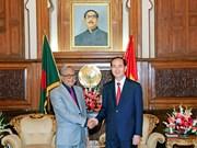 越南国家主席陈大光会见孟加拉国总统阿卜杜勒·哈米德