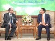 王廷惠副总理:希望保诚继续投资越南政府债券