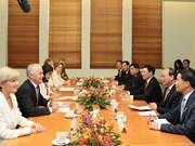 越南政府总理阮春福与澳大利亚总理马尔科姆·特恩布尔举行会谈