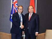 政府总理阮春福会见在澳越南企业家和科学家代表