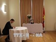 世界各国代表沉痛悼念越南前总理潘文凯