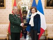 越南与法国进一步加强防务合作