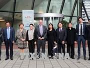 国会主席阮氏金银参观访问荷兰机场咨询公司