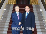阮春福会见韩国政府政策协调办公室前部长尹大熙