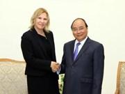阮春福总理会见国际金融公司副总裁斯托伊科维奇