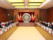 越南国会主席与伊朗伊斯兰议会议长举行会谈
