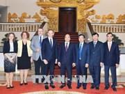 越南政府总理阮春福会见德国客人