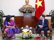 越南政府副总理兼外交部长范平明会见孟加拉国驻越南大使